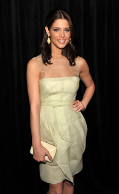 Golden Globes Makeup: Ashley Greene